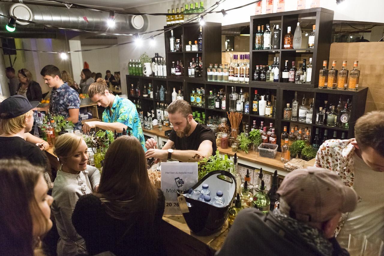 Billeder fra 'Gin & Tonic Pop Up Bar – Havefest Edition'